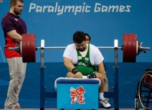 04/08/2012 - Londres, Reino Unido. Paralimpíada 2012 - Rodrigo Marques atleta brasileiro na disputa do Halterofilismo no ExCel. Foto: Guilherme Taboada/CPB