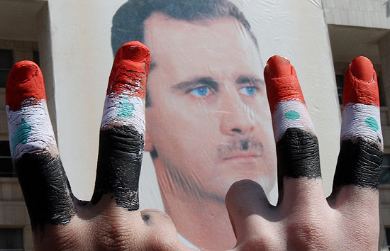 População luta contra o governo ditador da Síria