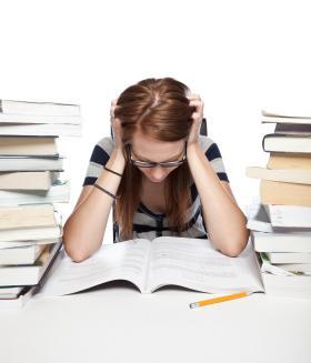 Aluna estudando