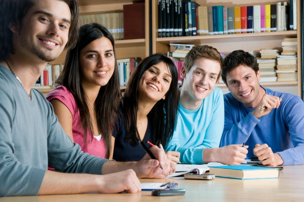 Alunos de universidades desejam instituições mais focadas no emprego