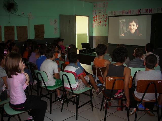 Lei obriga escolas a exibirem filmes brasileiros