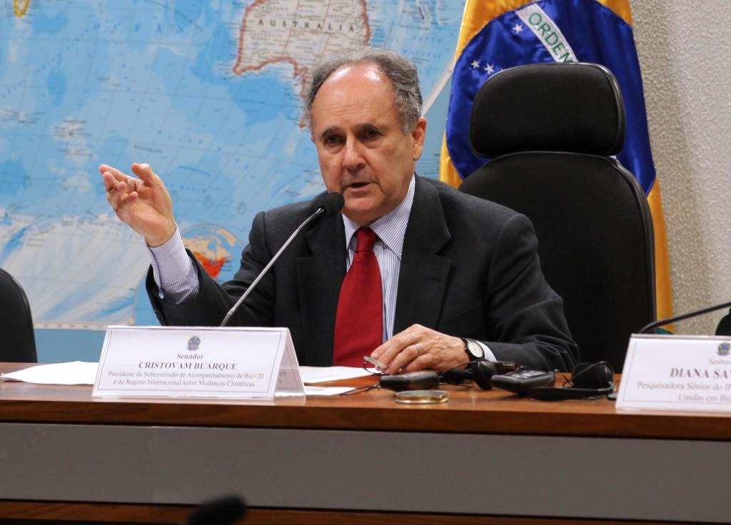 Comissão aprova plebiscito sobre federalização da educação 2