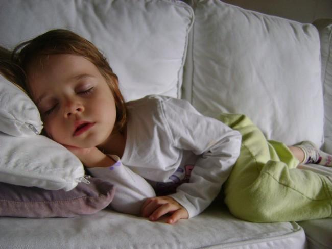 Criança Dormir