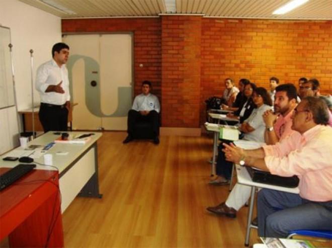 Escola do Legislativo abre inscrições para cursos de extensão e pós-graduação em Teresina