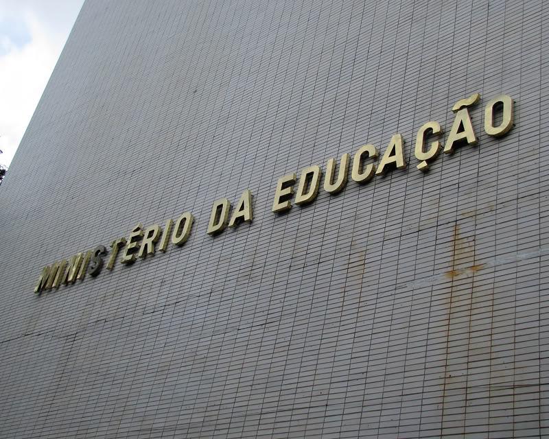 Ministério da Educação inicia consultas para construção da base nacional curricular
