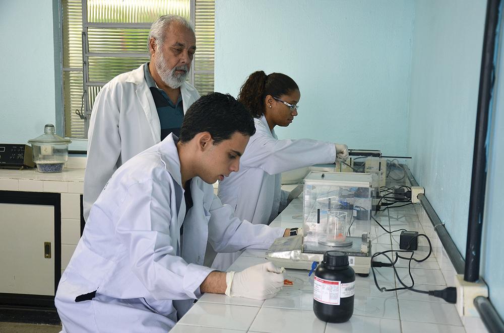 Pesquisa revela que jovens acreditam que ensino técnico facilita entrada no mercado de trabalho