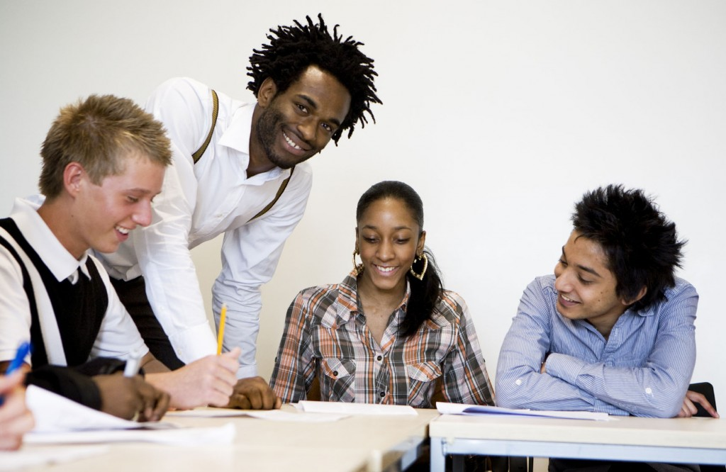 Reino Unido aumenta números de bolsas de estudos para estrangeiros 2