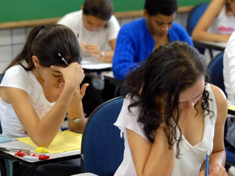 Mais de 6 mil estrangeiros poderão fazer provas do ENEM 2014