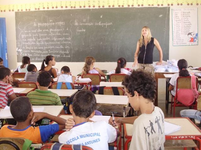 Quase um terço das escolas públicas não cumpriu meta do Ideb