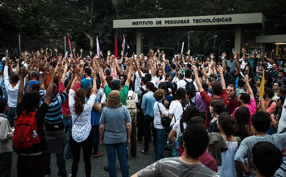 USP anuncia proposta de aumento de 5,2 nos salários de professores e funcionários
