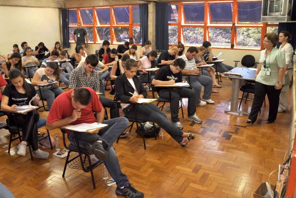 Universidade Estadual de Londrina registra 21 mil alunos inscritos em seu vestibular 2