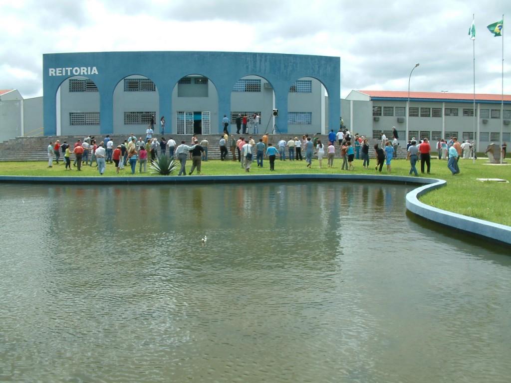 Universidade Estadual de Ponta Grossa abre inscrições para vestibular de verão 2014