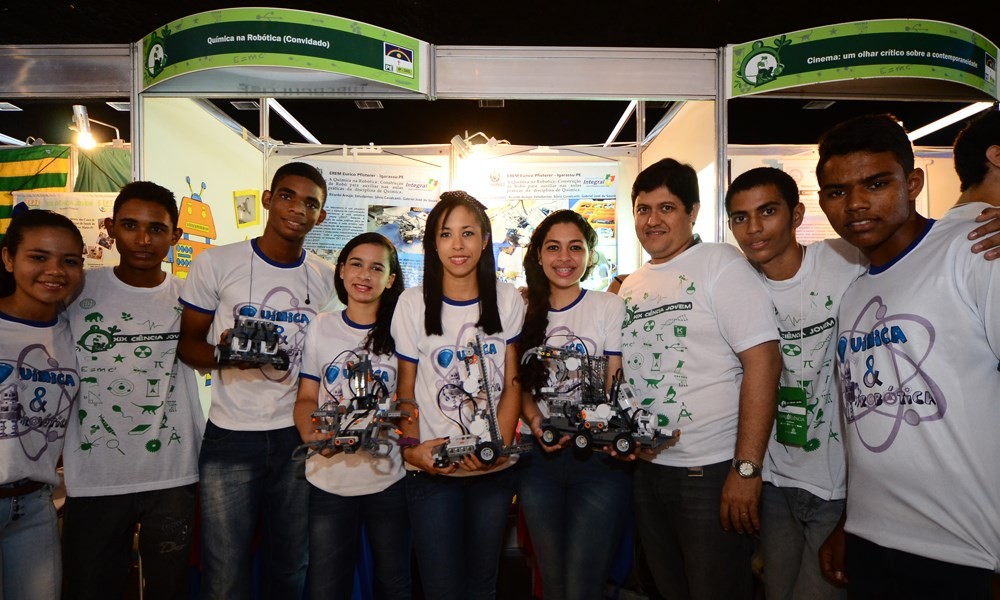 Jovens de todo o Brasil mostram seus trabalhos na Feira de Ciência Jovem