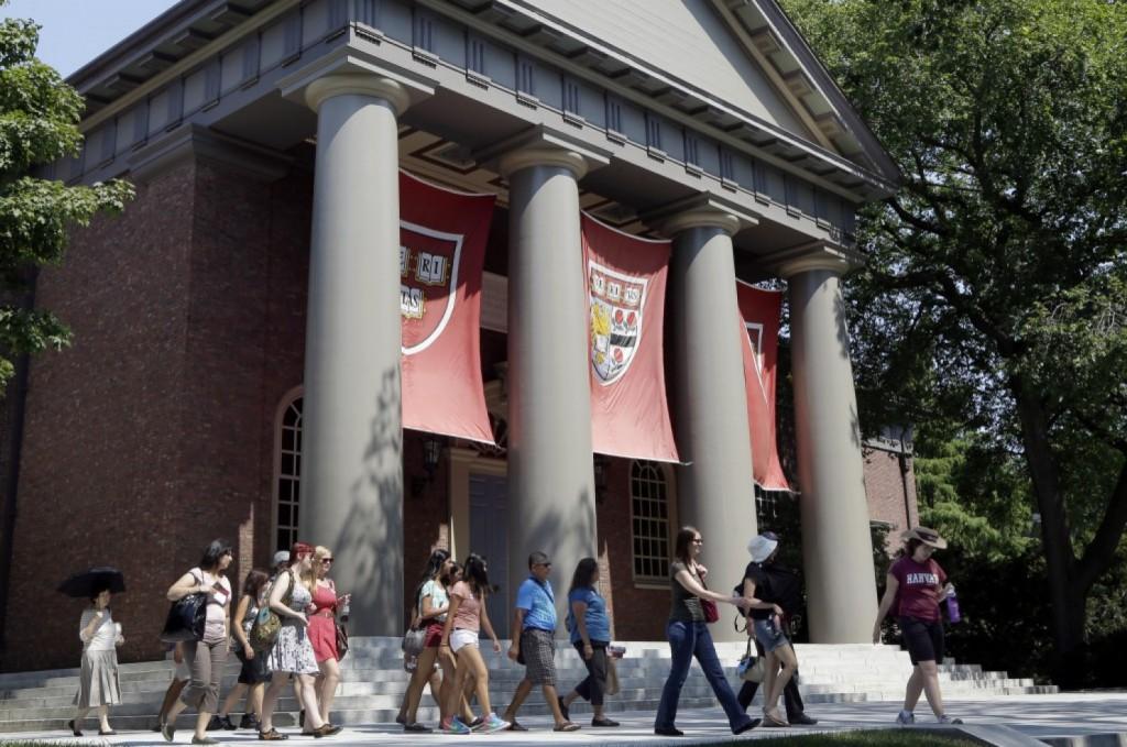 Asiáticos movem processo contra Harvard alegando discriminação no processo seletivo 2