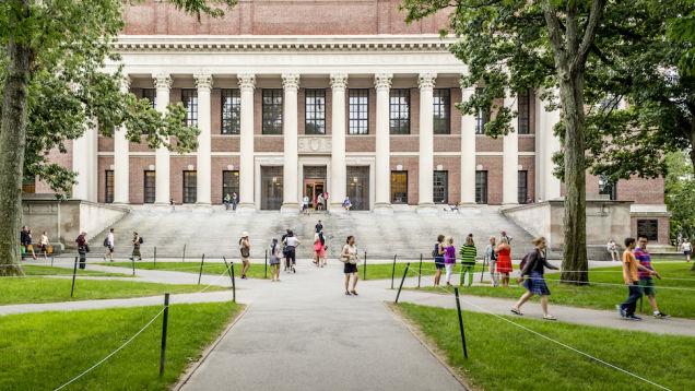 Universidade de Harvard promove seminário sobre sexo e cria polêmica