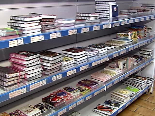 Especialistas afirmam que dezembro é o melhor mês para a compra do material escolar