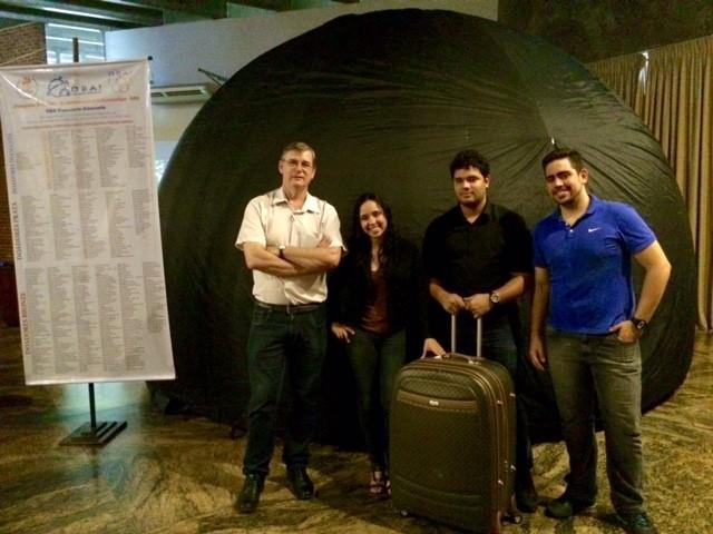 Estudantes de física criam um planetário inflável e itinerante 2