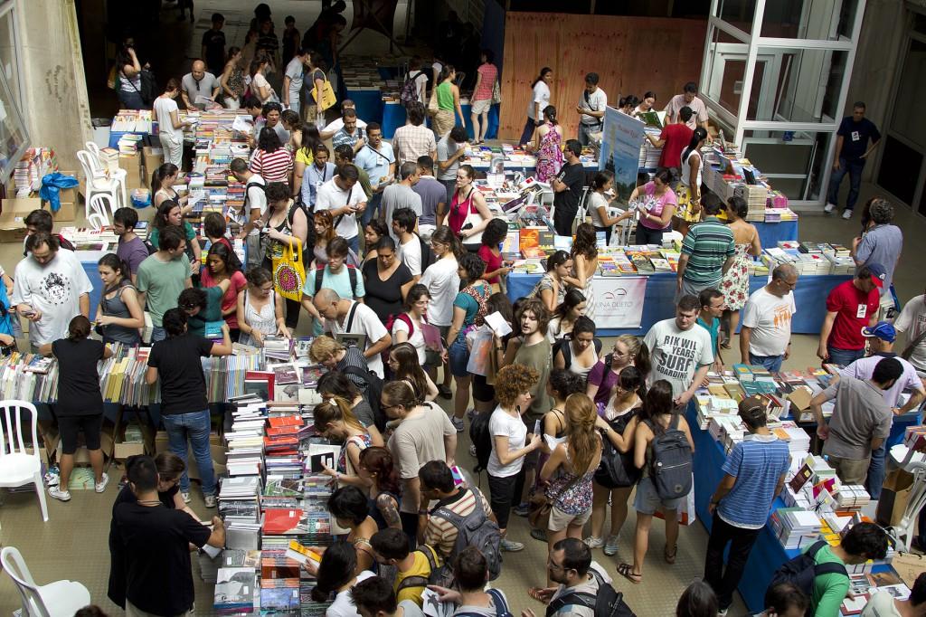 Festa do Livro da USP oferece descontos de até 80