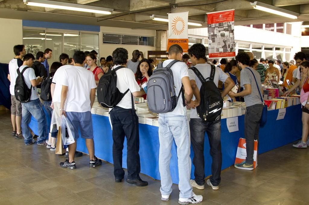 Festa do Livro da USP oferece descontos de até 80 2