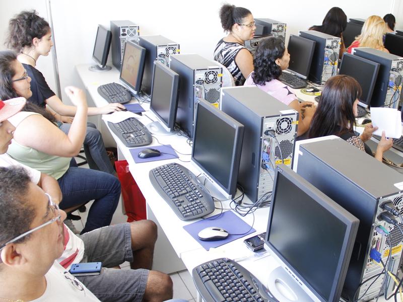 Mais de mil vagas gratuitas em cursos profissionalizantes estão disponíveis em Ribeirão Preto