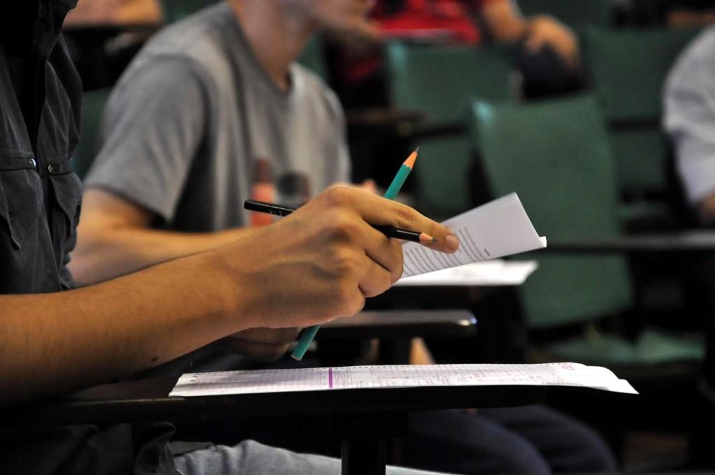 Ministro afirma que nota do Enade não será colocada nos diplomas dos estudantes