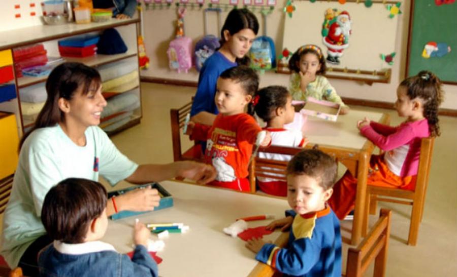 Secretaria de Educação de São Paulo promete 30 mil vagas em creches para 2015