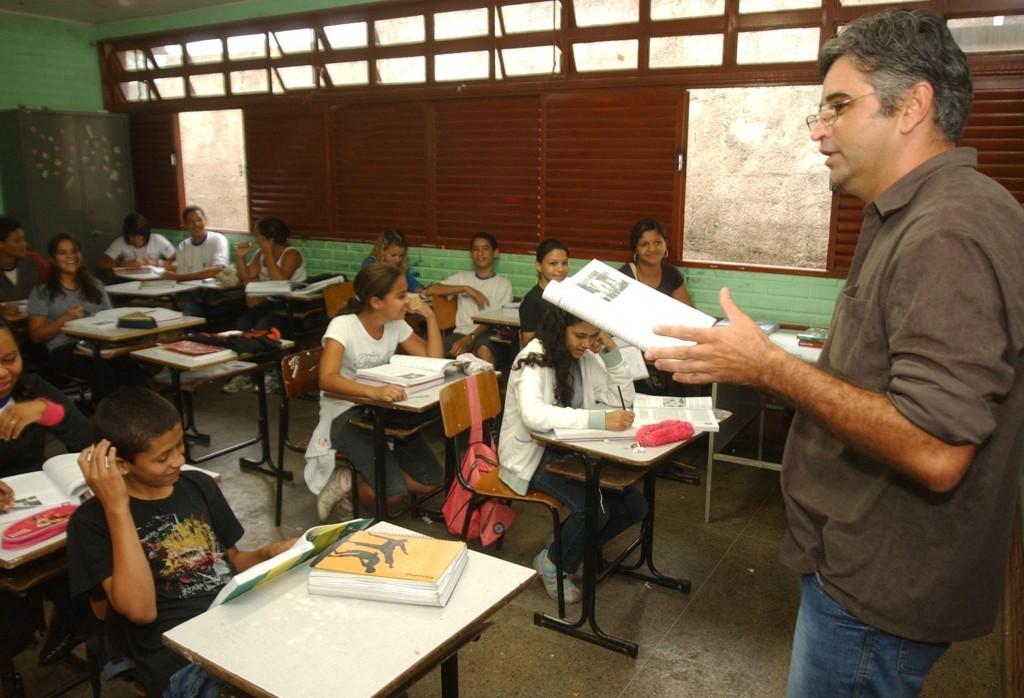 Escolas públicas vão atrasar duas semanas o início do ano letivo no DF 2