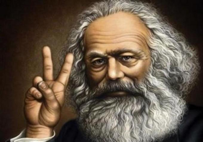 Existe doutrinação marxista nas escolas