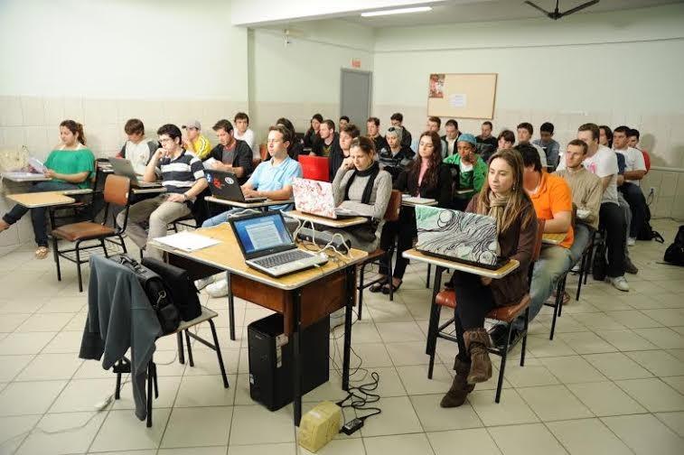 Fies tem redução da quantidade de matriculas e aumento de gastos