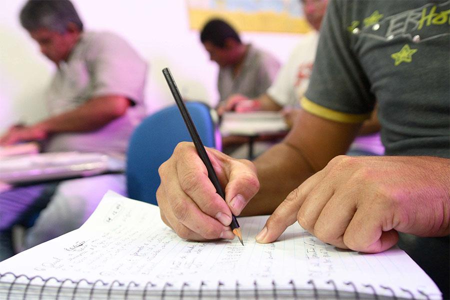 Manaus pode ter escolas fechadas por falta de alunos