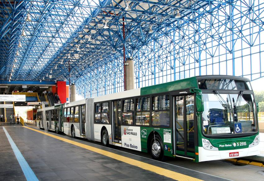 São Paulo já conta com passe gratuito para alunos nos ônibus da cidade 2
