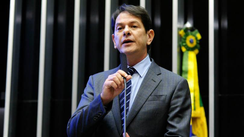 Cid Gomes pede demissão do MEC depois de confusão com Câmara 2
