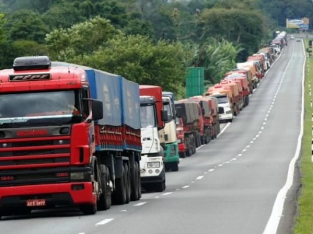 Como anda a greve dos caminhoneiros