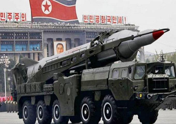 Coréia do Norte lança mísseis no Japão