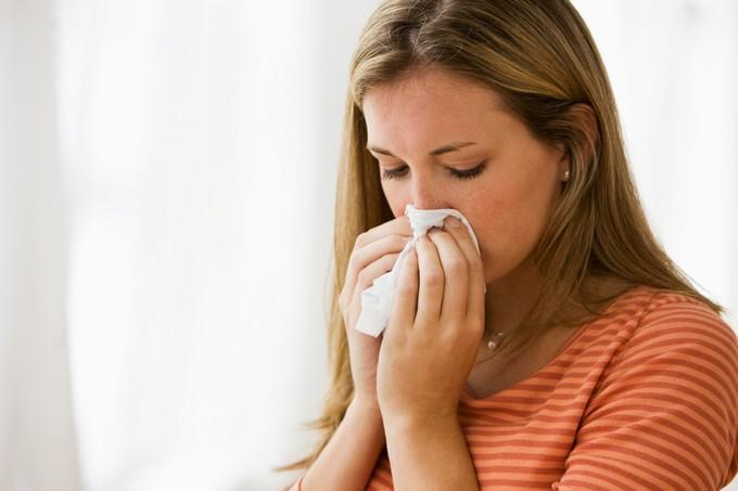 Estudo adultos pegam gripe apenas 2 vezes por década