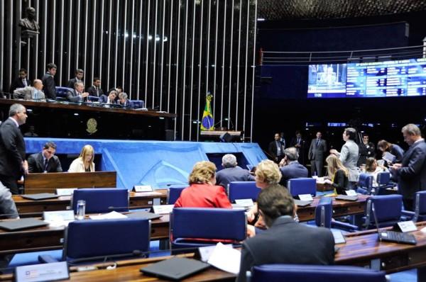 Senado põe fim em coligações para deputados e vereadores