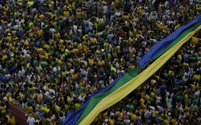 manifestações contra o governo pelo Brasil