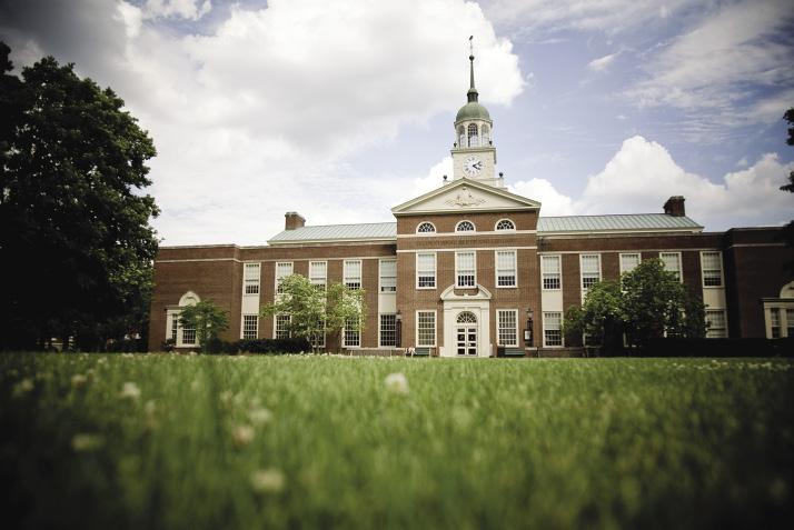Três alunos são expulsos de faculdade nos EUA por ofensas racistas
