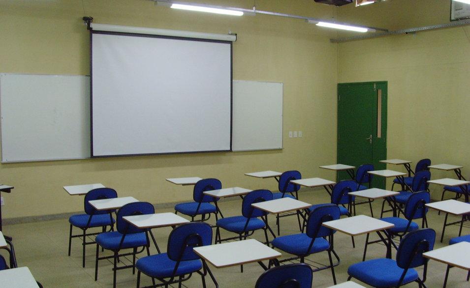 Universidades particulares deverão cortar investimentos devido crise no Fies