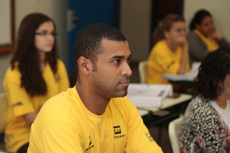 Confira cursos preparatórios gratuitos para o ENEM em SP