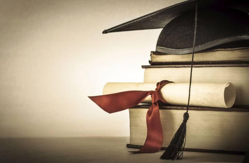 Professores inscritos em mestrados e doutorados poderão receber bolsa em SP