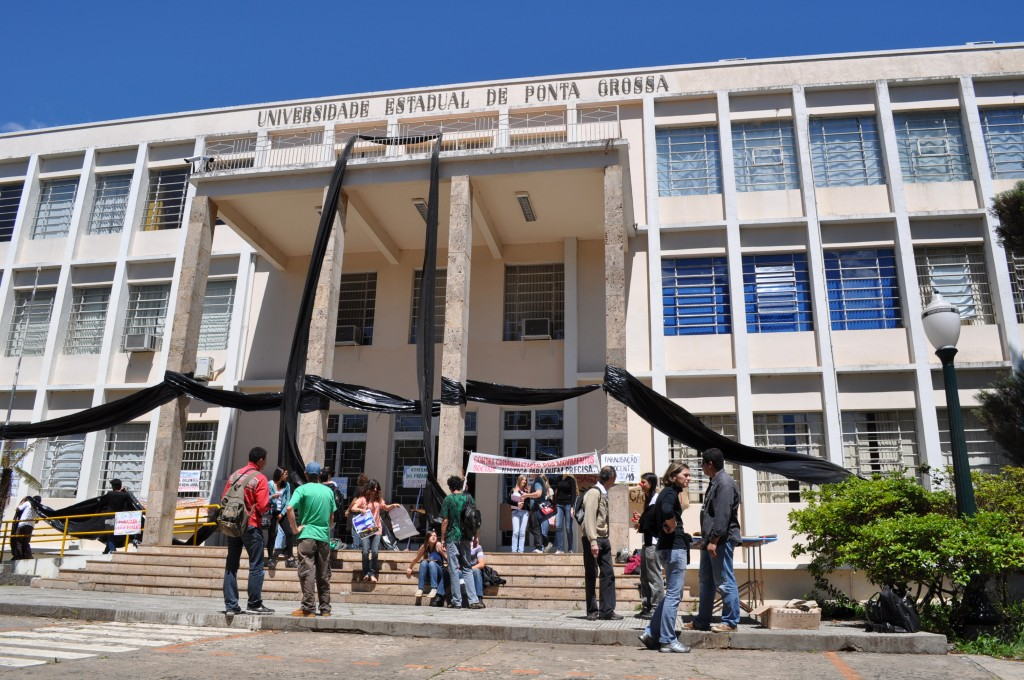 Universidade Estadual de Ponta Grossa suspense vestibular de inverno