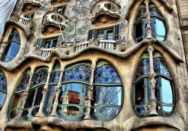 89 anos da morte Antoni Gaudí