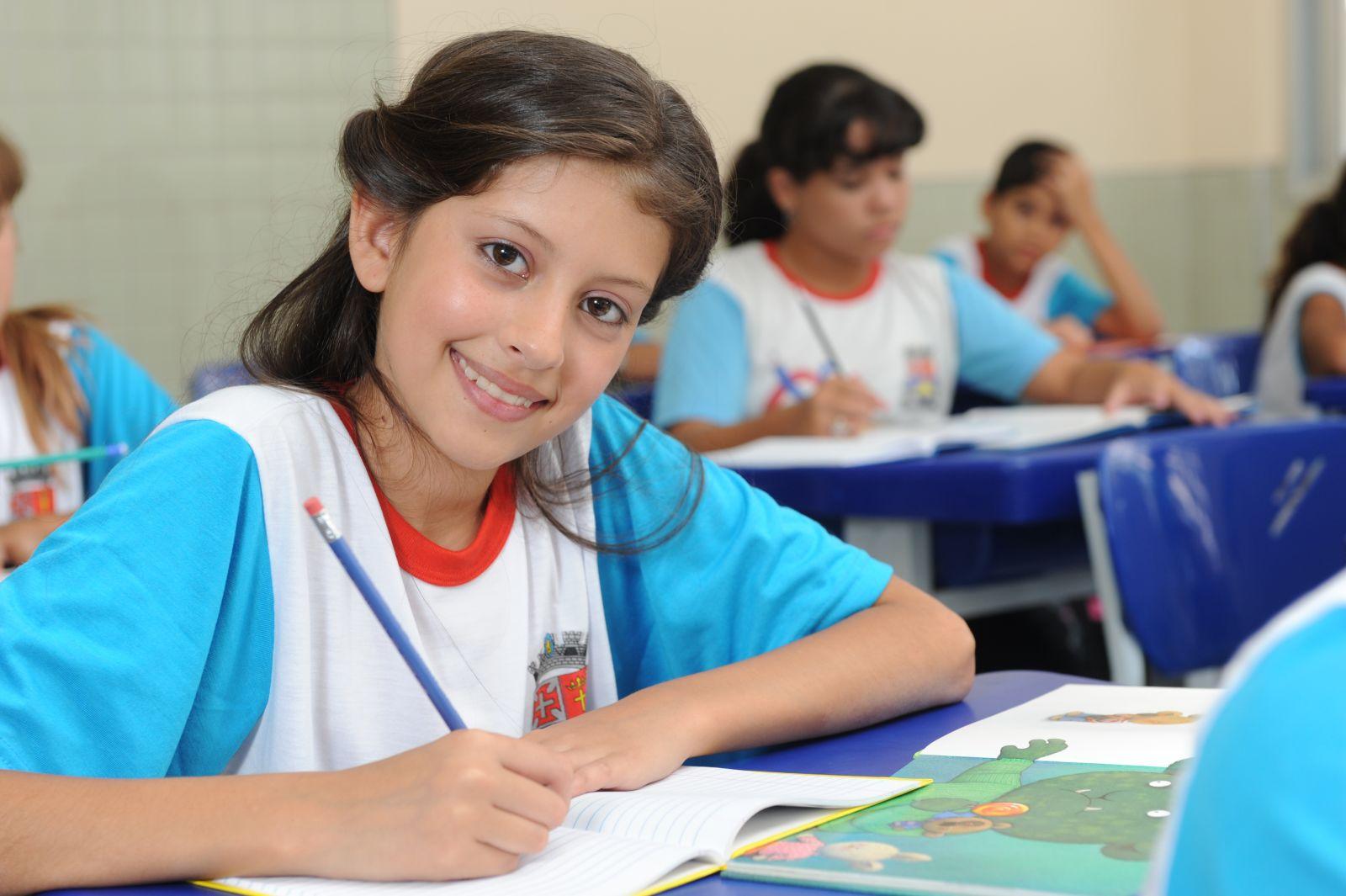Alunos do ensino fundamental de 9 anos possuem conseguem aumentar desempenho 2
