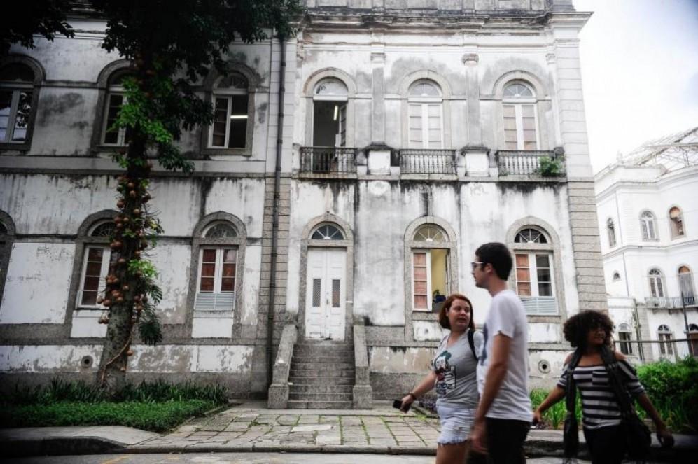 Professores da Universidade Federal do Rio de Janeiro decidem continuar greve