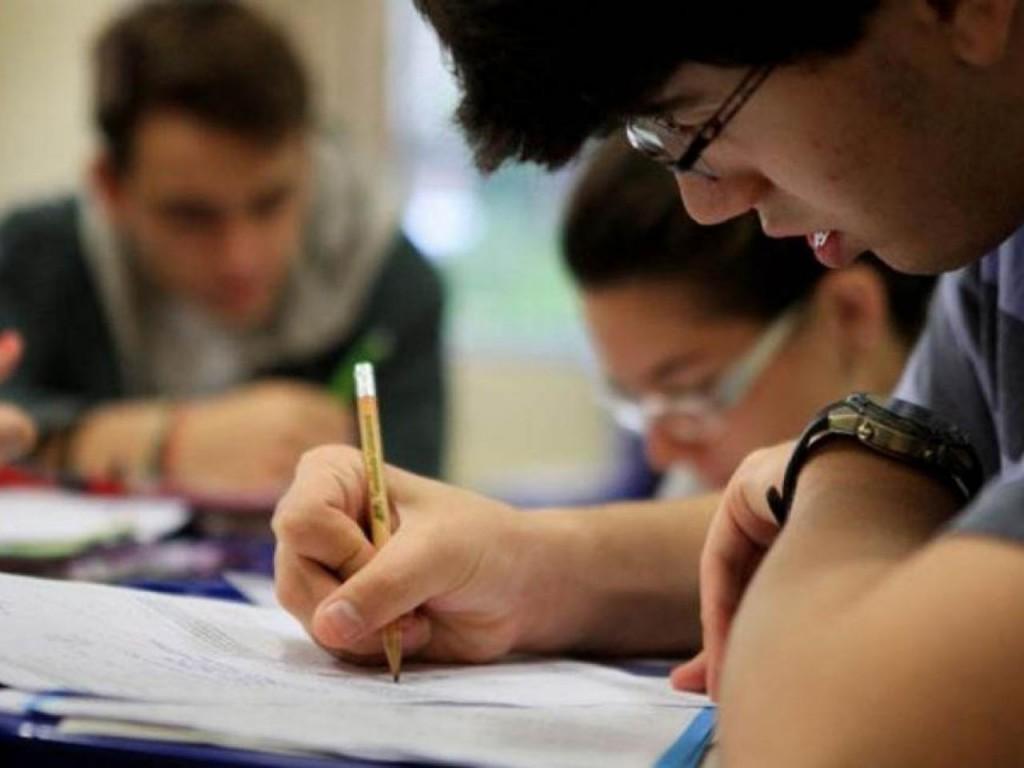Pesquisa revela que estudantes comprometem 20% da renda com Fies