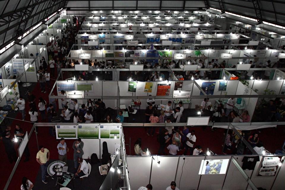 UFPR abre feira de cursos em Curitiba 2