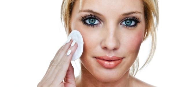 Maquiagem prejudica pele