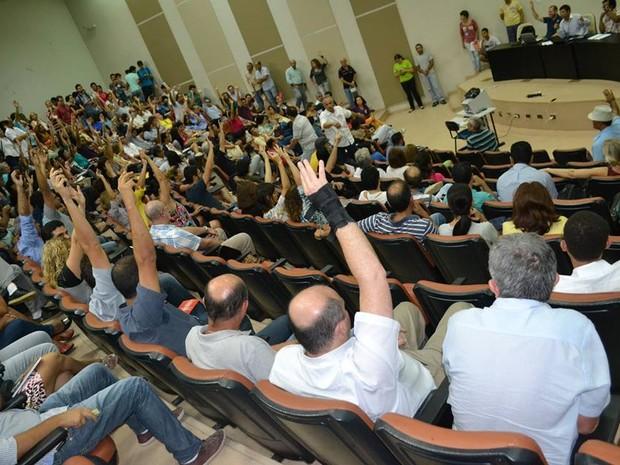 Professores das universidades federais apoiam fim da greve