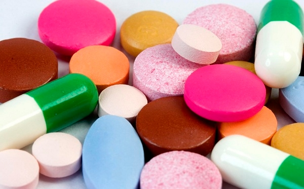 Quais as diferenças entre antibióticos e anti-inflamatórios